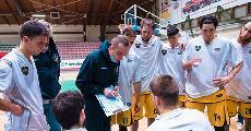 https://www.basketmarche.it/immagini_articoli/22-01-2021/montegranaro-coach-ciarpella-andremo-fabriano-provare-vincere-ancora-fuori-stanzani-ciarpella-120.jpg