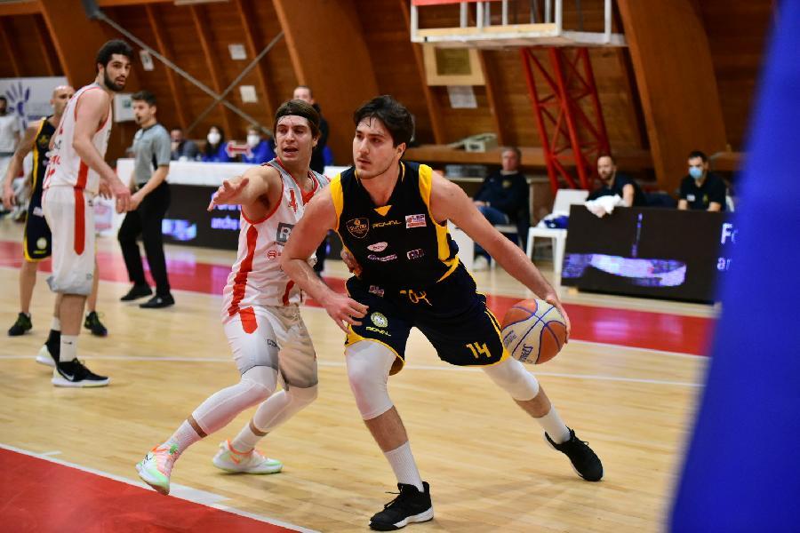 https://www.basketmarche.it/immagini_articoli/22-01-2021/montegranaro-gianluca-tibs-sentiamo-motivati-scenderemo-campo-provare-fare-colpaccio-600.jpg