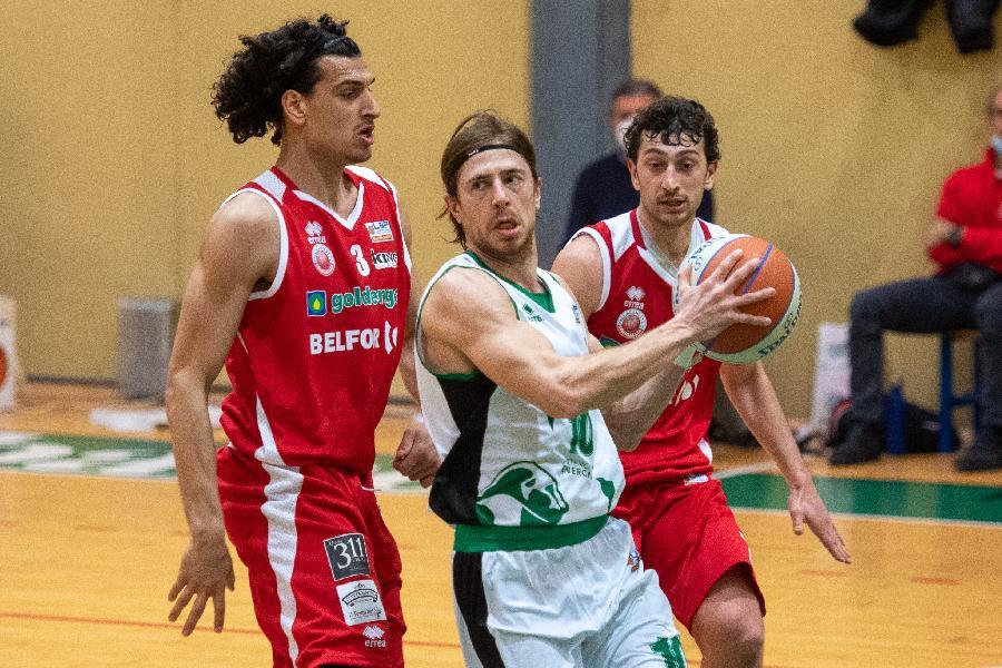 https://www.basketmarche.it/immagini_articoli/22-02-2021/pallacanestro-senigallia-arrende-solo-finale-campo-virtus-padova-600.jpg