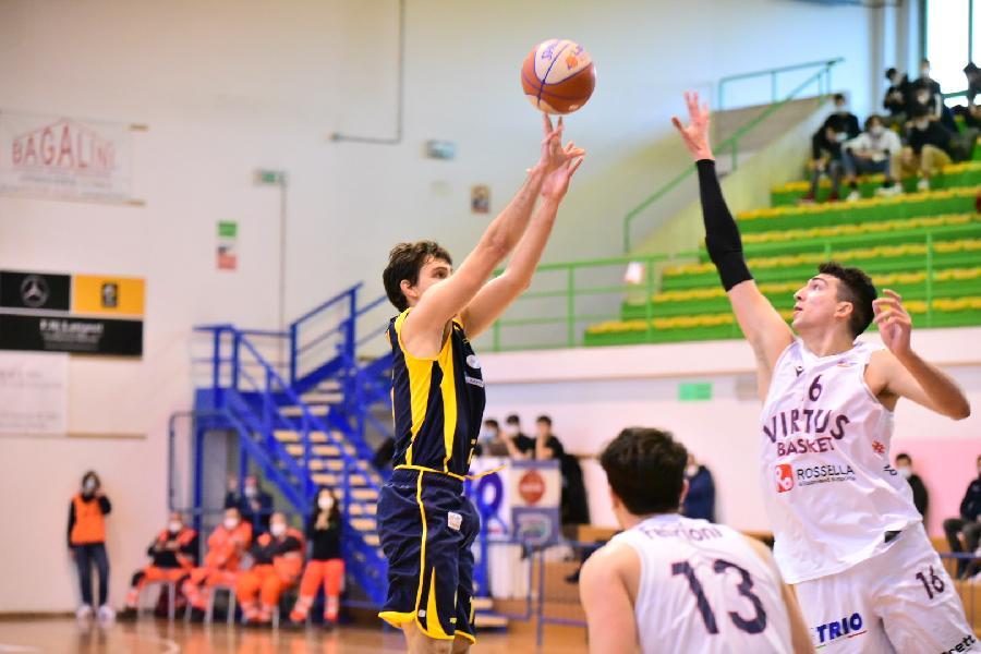https://www.basketmarche.it/immagini_articoli/22-02-2021/sutor-montegranaro-lotta-fino-fine-virtus-civitanova-porta-casa-punti-600.jpg
