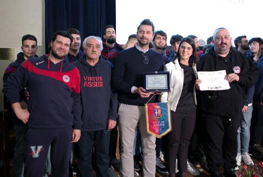 https://www.basketmarche.it/immagini_articoli/22-03-2019/virtus-assisi-gioca-posto-urbania-carica-presidente-gnavolini-600.jpg