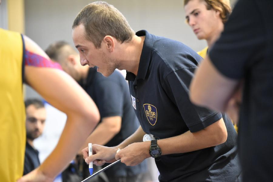 https://www.basketmarche.it/immagini_articoli/22-03-2021/sutor-coach-ciarpella-dobbiamo-ritrovare-nostra-pallacanestro-penso-giocheremo-fino-fine-600.jpg