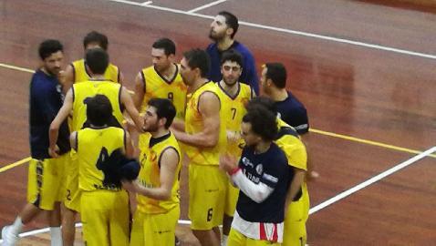 https://www.basketmarche.it/immagini_articoli/22-04-2018/d-regionale-playoff-gara-3-il-basket-fermo-batte-la-taurus-jesi-e-vola-in-semifinale-270.jpg