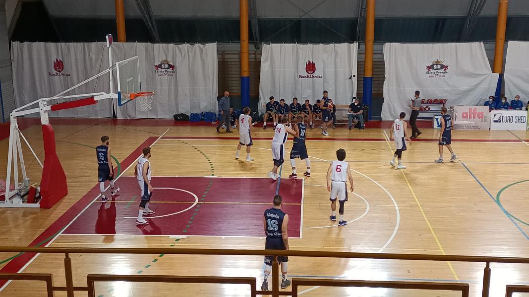 https://www.basketmarche.it/immagini_articoli/22-05-2021/ferma-derby-foligno-corsa-virtus-assisi-600.jpg
