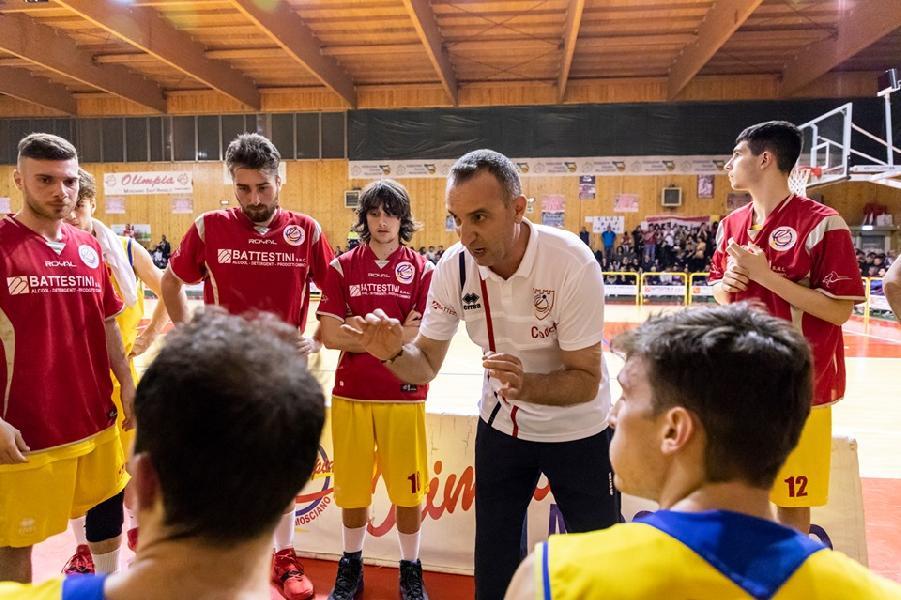 https://www.basketmarche.it/immagini_articoli/22-06-2019/olimpia-mosciano-coach-marco-verrigni-avanti-ancora-insieme-600.jpg