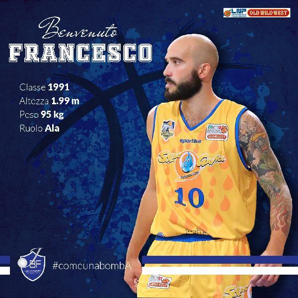 https://www.basketmarche.it/immagini_articoli/22-06-2019/ufficiale-janus-fabriano-firma-grande-francesco-fratto-600.jpg
