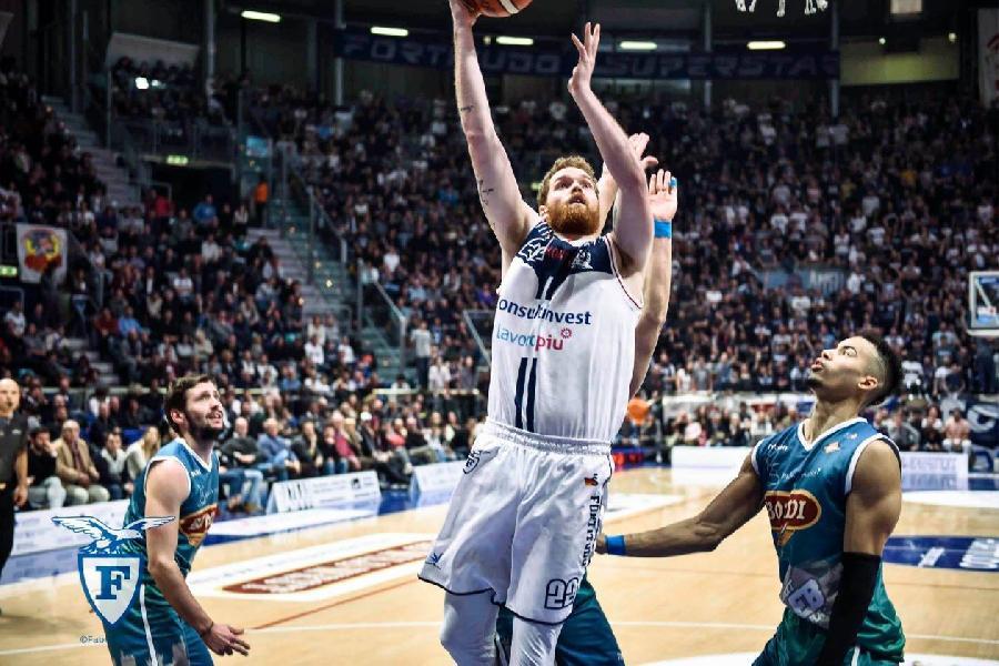 https://www.basketmarche.it/immagini_articoli/22-07-2019/fortitudo-bologna-ufficiale-rescissione-contratto-giovanni-pini-600.jpg