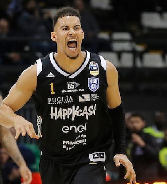 https://www.basketmarche.it/immagini_articoli/22-07-2019/ufficiale-brindisi-erik-rush-firma-pallacanestro-2015-forl-600.jpg