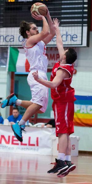https://www.basketmarche.it/immagini_articoli/22-07-2019/ufficiale-mattia-sagripanti-giocatore-porto-sant-elpidio-basket-600.jpg