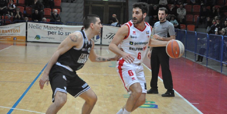 https://www.basketmarche.it/immagini_articoli/22-07-2020/pallacanestro-senigallia-rischia-perdere-emiliano-paparella-opportunit-importante-valutando-600.jpg