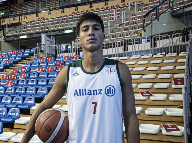 https://www.basketmarche.it/immagini_articoli/22-07-2021/basket-ravenna-interesse-concreto-esterno-under-andrea-arnaldo-600.jpg