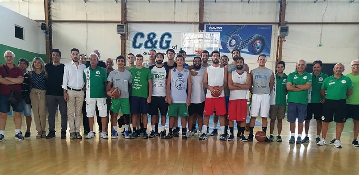 https://www.basketmarche.it/immagini_articoli/22-08-2018/serie-c-gold-grande-entusiasmo-per-il-raduno-della-magic-basket-chieti-600.jpg