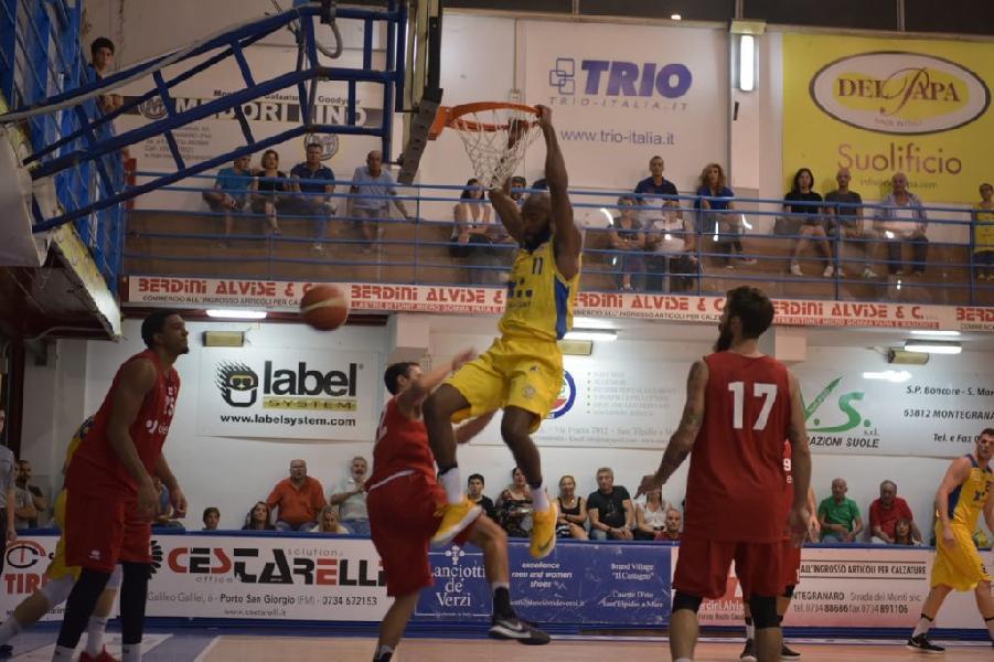 https://www.basketmarche.it/immagini_articoli/22-09-2018/serie-poderosa-montegranaro-giornata-alessandro-mamoli-battezza-squadra-ragazzi-travolgono-forl-600.jpg