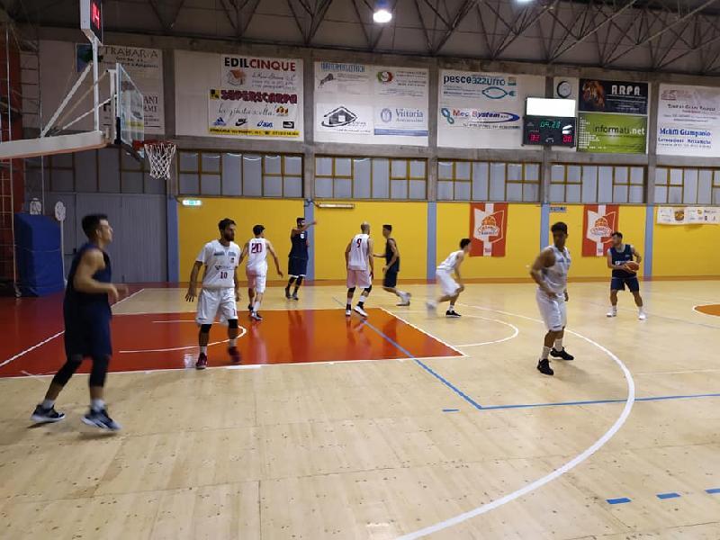 https://www.basketmarche.it/immagini_articoli/22-09-2019/pallacanestro-urbania-spunta-pallacanestro-urbania-dopo-gara-equilibrata-600.jpg