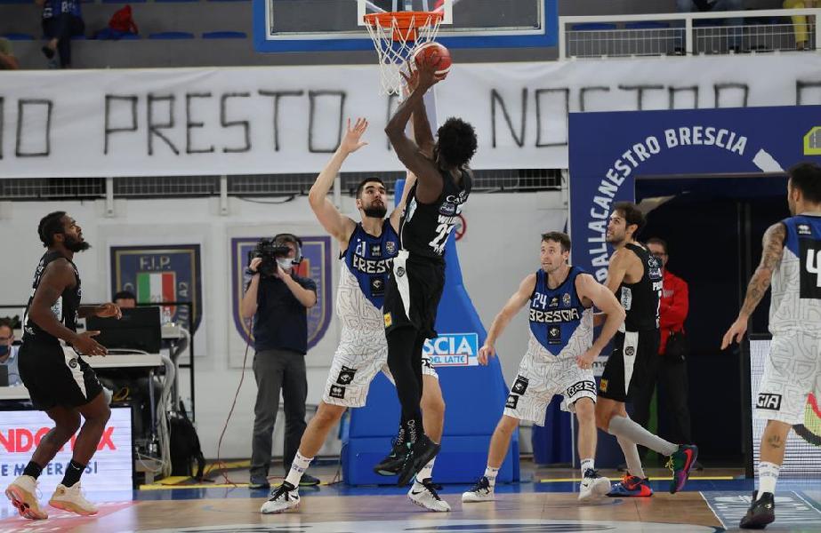 https://www.basketmarche.it/immagini_articoli/22-09-2020/aquila-basket-trento-alti-bassi-amichevole-brescia-600.jpg