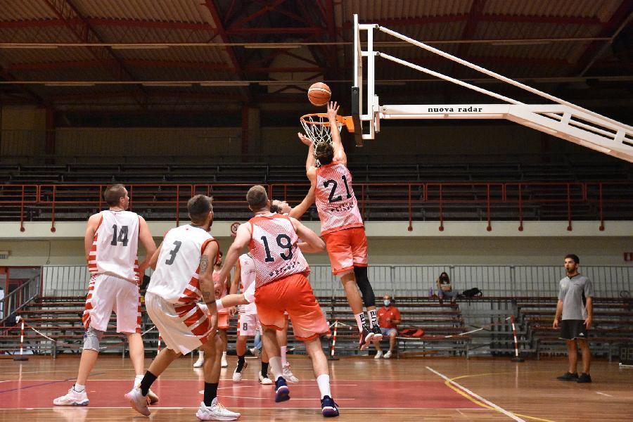 https://www.basketmarche.it/immagini_articoli/22-09-2021/vigor-matelica-stasera-test-amichevole-campo-virtus-civitanova-600.jpg