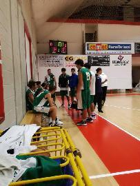 https://www.basketmarche.it/immagini_articoli/22-10-2017/d-regionale-un-ottimo-cab-stamura-ancona-espugna-il-campo-del-basket-maceratese-270.jpg