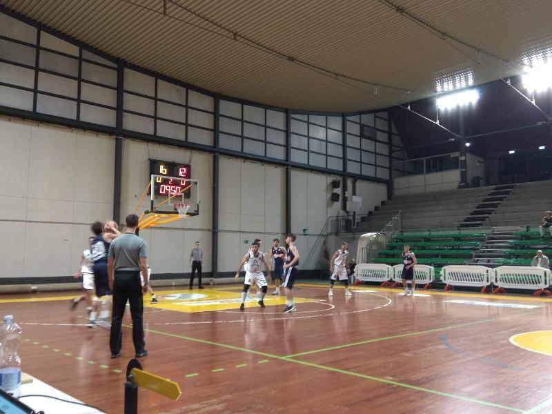 https://www.basketmarche.it/immagini_articoli/22-10-2018/completata-terza-giornata-posticipo-atomika-spoleto-supera-basket-gubbio-600.jpg