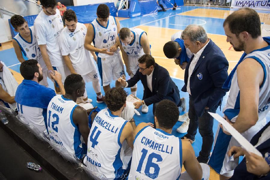 https://www.basketmarche.it/immagini_articoli/22-10-2018/janus-fabriano-cade-corato-adesso-fari-puntati-derby-porto-sant-elpidio-600.jpg