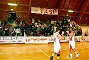 https://www.basketmarche.it/immagini_articoli/22-10-2018/teramo-spicchi-ancora-imbattuta-coach-stirpe-bravi-interpretare-partita-120.jpg