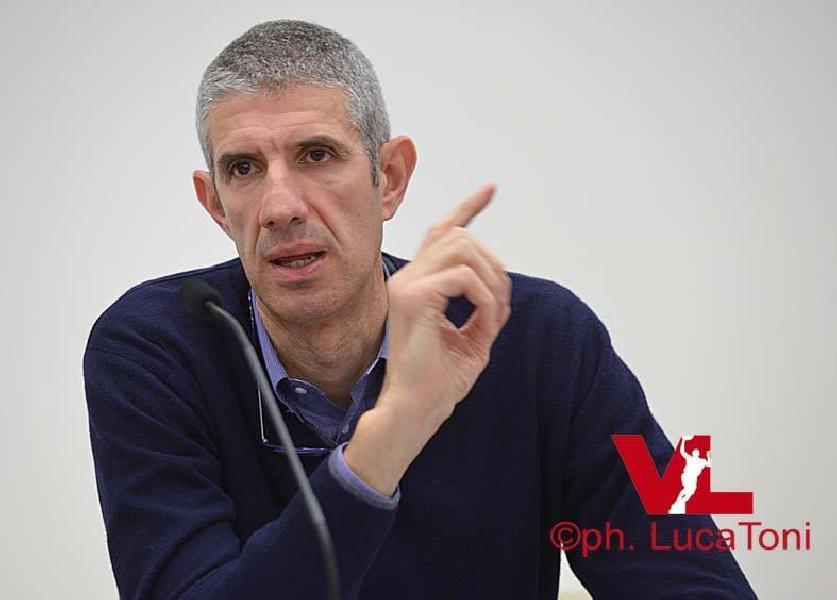 https://www.basketmarche.it/immagini_articoli/22-10-2018/vuelle-pesaro-travolta-venezia-presidente-ario-costa-scusa-tifosi-600.jpg