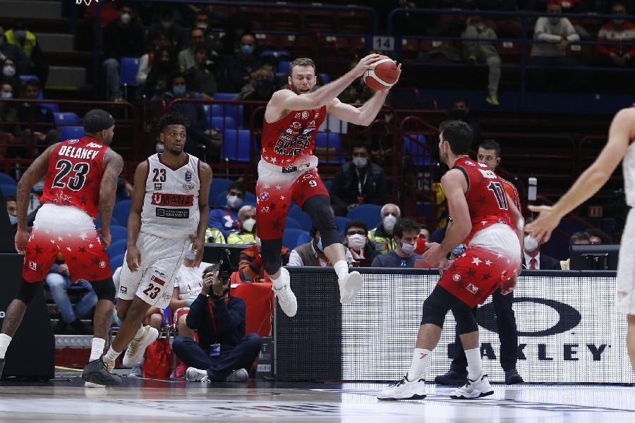 https://www.basketmarche.it/immagini_articoli/22-10-2021/olimpia-milano-gianmarco-pozzecco-fortitudo-squadra-evoluzione-sappiamo-cosa-aspetta-600.jpg