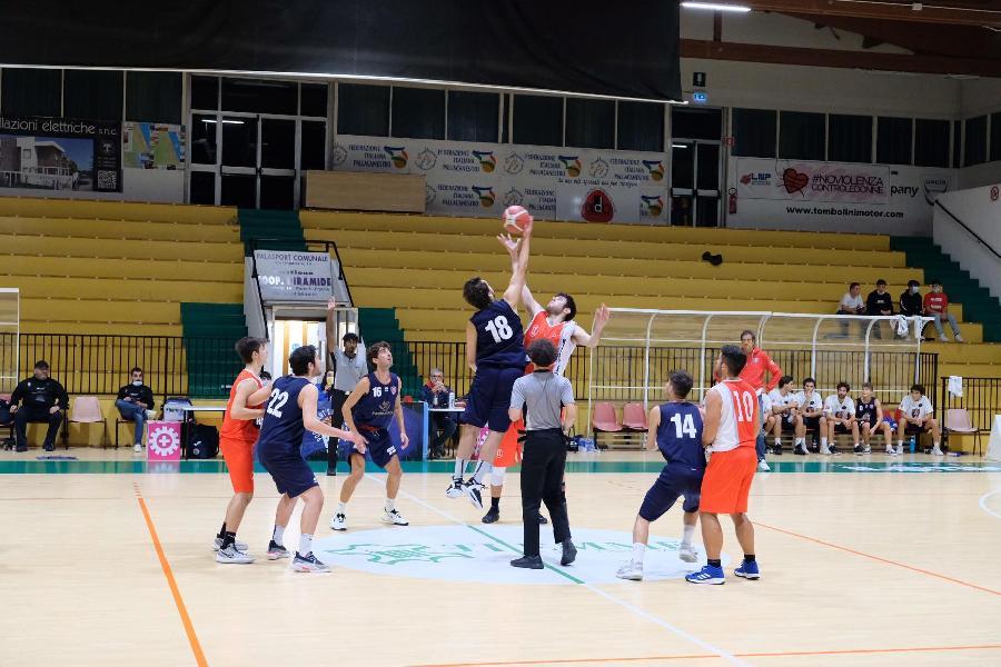 https://www.basketmarche.it/immagini_articoli/22-10-2021/sporting-porto-sant-elpidio-basket-supera-nettamente-vigor-matelica-600.jpg