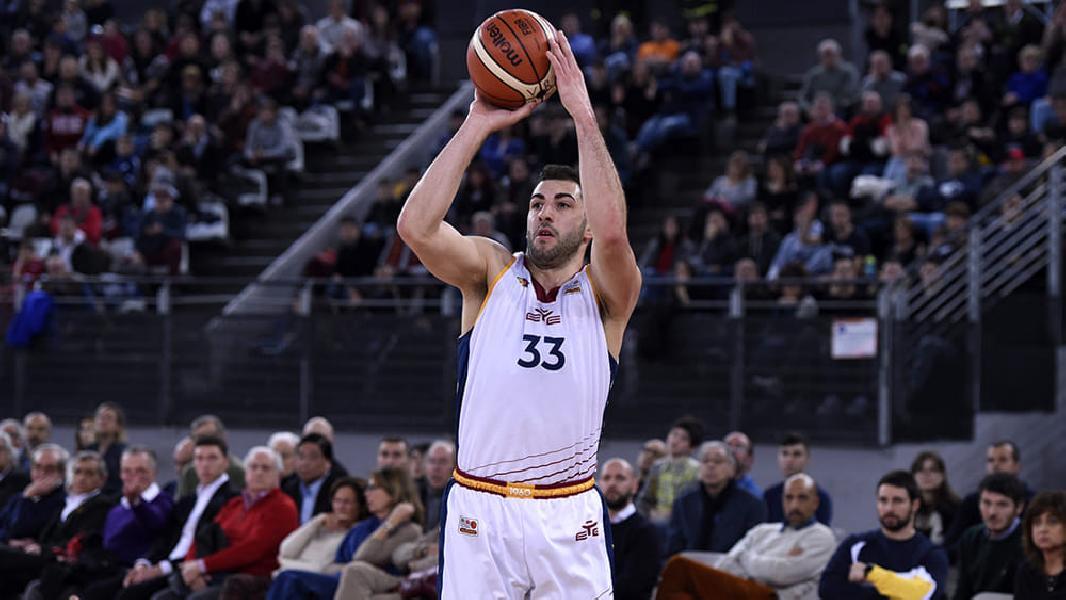 https://www.basketmarche.it/immagini_articoli/22-10-2021/ufficiale-marco-santiangeli-giocatore-janus-fabriano-600.jpg