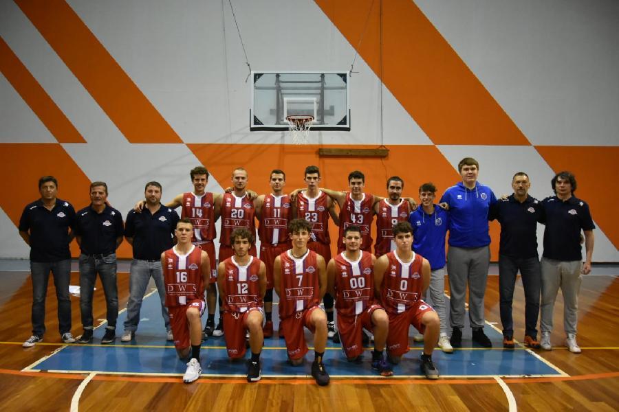 https://www.basketmarche.it/immagini_articoli/22-11-2019/boys-fabriano-espugnano-campo-titans-jesi-conquistano-prima-vittoria-stagionale-600.jpg