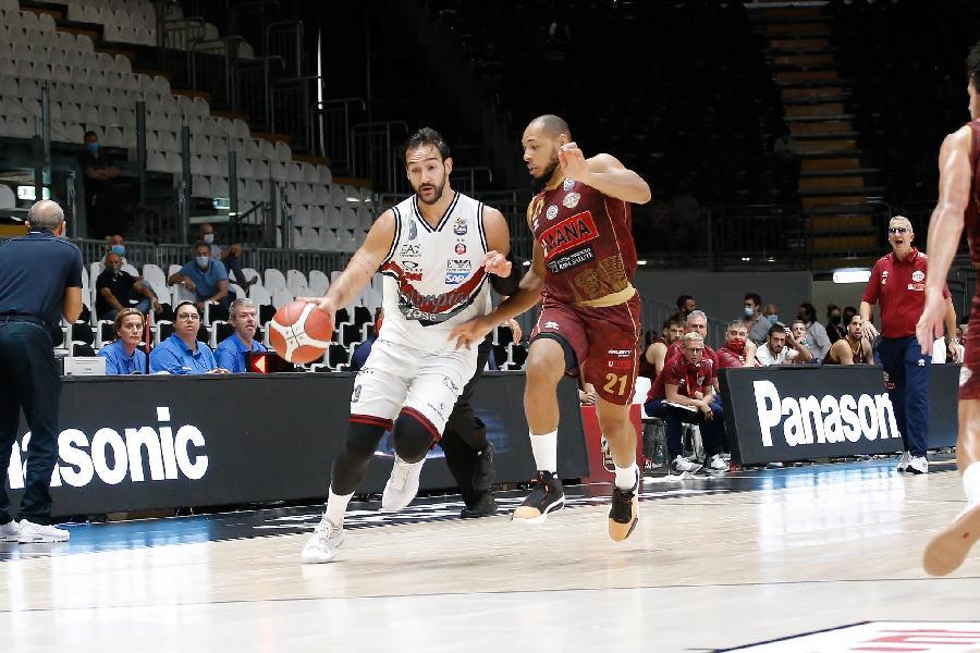 https://www.basketmarche.it/immagini_articoli/22-11-2020/olimpia-milano-coach-messina-possiamo-permetterci-abbassare-guardia-600.jpg