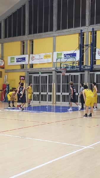 https://www.basketmarche.it/immagini_articoli/22-12-2018/anticipi-venerd-fano-sorride-derby-loreto-pesaro-convincente-durante-urbania-600.jpg