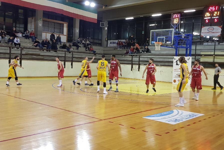 https://www.basketmarche.it/immagini_articoli/22-12-2018/pallacanestro-urbania-espugna-campo-umbertide-rimane-imbattuta-600.jpg