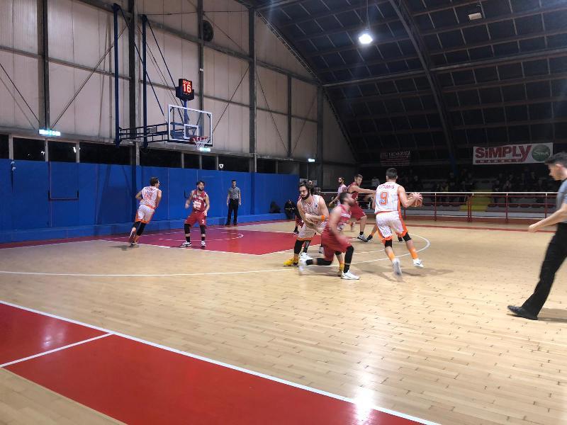 https://www.basketmarche.it/immagini_articoli/22-12-2018/pisaurum-pesaro-coach-surico-benedetto-giochiamo-parecchio-nostro-futuro-600.jpg