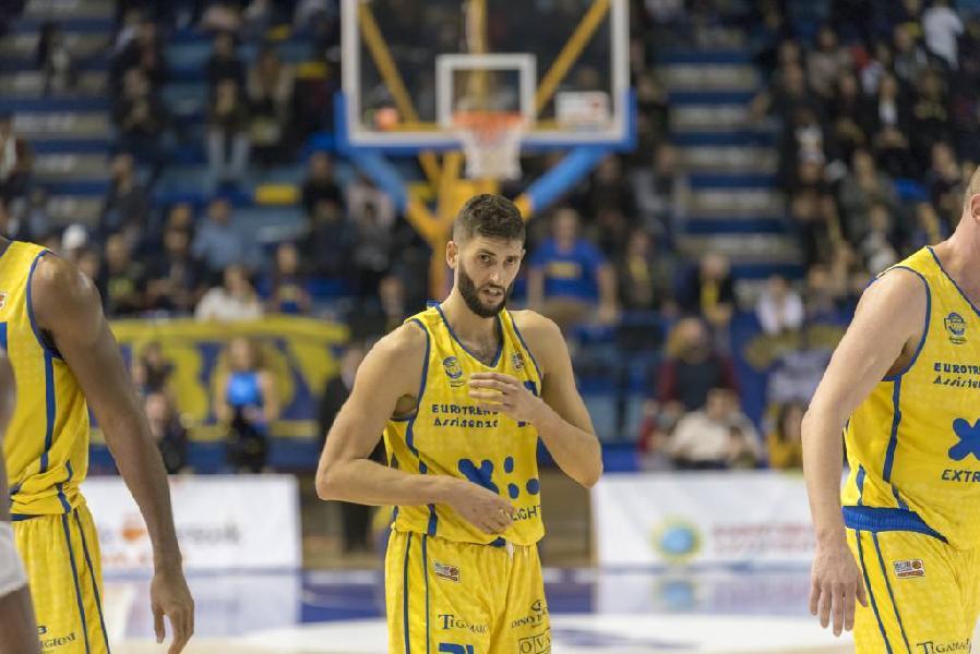 https://www.basketmarche.it/immagini_articoli/22-12-2018/poderosa-montegranaro-trasferta-mantova-regalarsi-natale-600.jpg