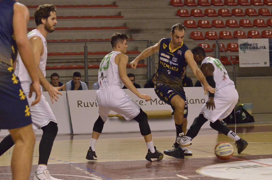 https://www.basketmarche.it/immagini_articoli/22-12-2019/campetto-ancona-accelera-secondo-tempo-supera-sutor-montegranaro-600.jpg
