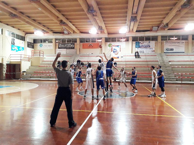 https://www.basketmarche.it/immagini_articoli/22-12-2019/metauro-basket-academy-espugna-campo-marotta-basket-600.jpg