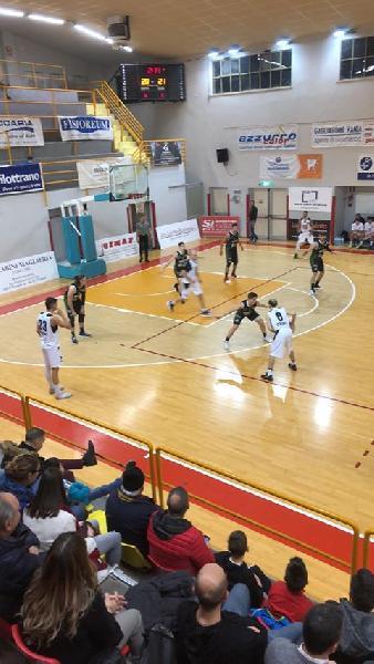 https://www.basketmarche.it/immagini_articoli/22-12-2019/ottima-robur-osimo-supera-magic-basket-chieti-600.jpg