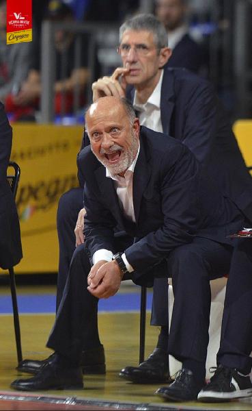 https://www.basketmarche.it/immagini_articoli/22-12-2019/pesaro-coach-sacco-dobbiamo-fare-salto-qualit-livello-mentale-abbiamo-sprecato-troppe-situazioni-600.png