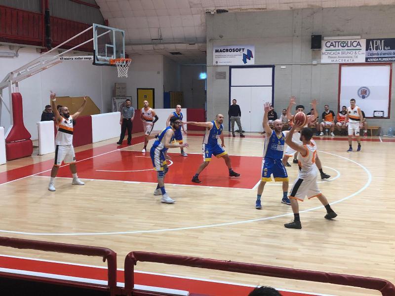 https://www.basketmarche.it/immagini_articoli/23-01-2019/anticipo-independiente-macerata-espugna-nettamente-campo-pedaso-basket-600.jpg