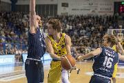 https://www.basketmarche.it/immagini_articoli/23-02-2019/poderosa-montegranaro-campo-fortitudo-bologna-partita-anno-120.jpg