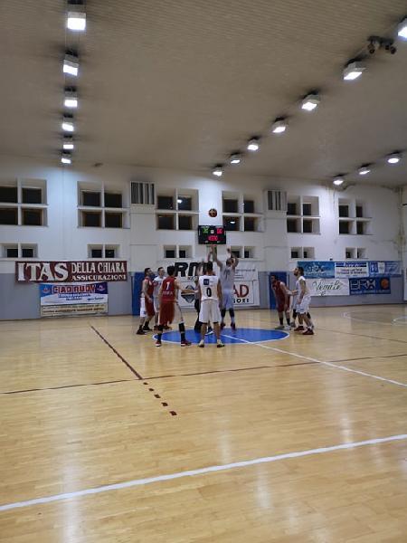 https://www.basketmarche.it/immagini_articoli/23-02-2019/regionale-anticipo-basket-giovane-pesaro-ritrova-vittoria-auximum-600.jpg