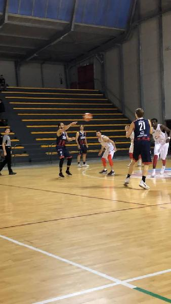 https://www.basketmarche.it/immagini_articoli/23-02-2019/vigor-matelica-supera-autorit-sambenedettese-basket-600.jpg