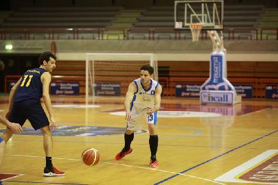 https://www.basketmarche.it/immagini_articoli/23-03-2018/d-regionale-aesis-jesi-ultimo-impegno-interno-della-regular-season-contro-montecchio-270.jpg