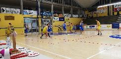 https://www.basketmarche.it/immagini_articoli/23-03-2019/basket-fanum-ferma-corsa-montemarciano-continua-sperare-playoff-120.jpg