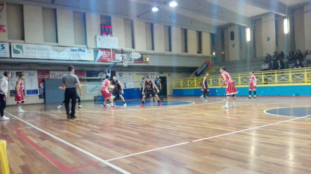 https://www.basketmarche.it/immagini_articoli/23-03-2019/basket-todi-regola-orvieto-basket-chiude-terzo-posto-600.jpg