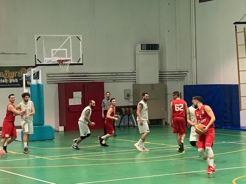 https://www.basketmarche.it/immagini_articoli/23-03-2019/fochi-pollenza-superano-vigor-matelica-grazi-ottimo-ultimo-quarto-600.jpg