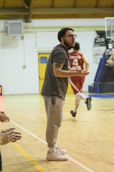 https://www.basketmarche.it/immagini_articoli/23-03-2021/matelica-coach-cecchini-poco-dire-partita-stata-peggior-prova-balistica-abbia-visto-quando-alleno-600.jpg