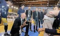https://www.basketmarche.it/immagini_articoli/23-04-2018/serie-b-nazionale-basket-recanati-coach-coen--soddisfatti-dei-playoff-raggiunti-speriamo-di-recuperare-gli-infortunati--120.jpg