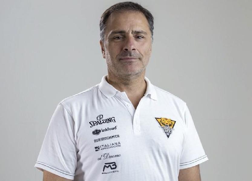 https://www.basketmarche.it/immagini_articoli/23-05-2020/tigers-cesena-ripartiranno-conferma-coach-giampaolo-lorenzo-600.jpg