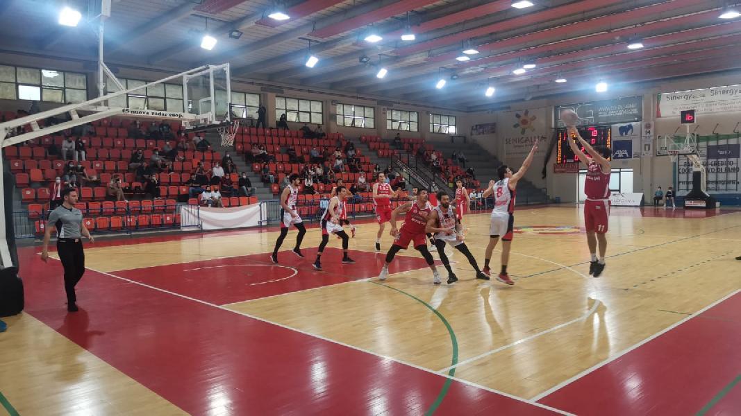 https://www.basketmarche.it/immagini_articoli/23-05-2021/playoff-jonico-taranto-passa-campo-pallacanestro-senigallia-semifinale-600.jpg